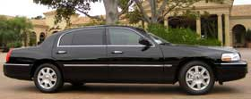 2014 Lincoln Town Car Black Limo Service in Delaware County PENNSYLVANIA