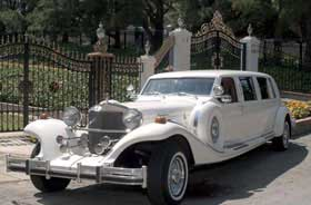 Excalibur Wedding White Limousine Limo Service in Irvine CALIFORNIA